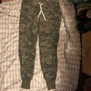 Old Navy Camp Print Joggers